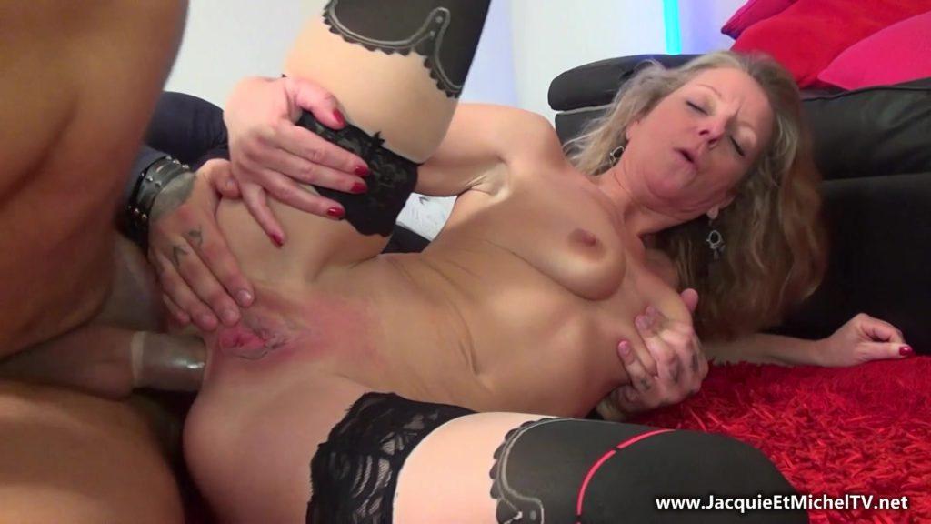 [JacquieEtMichelTV.net / Indecentes-Voisines.com] Amanda - Amanda, 43ans, prend sa revanche... porno! (12.04.2017) BlowJob, Mature, MILF, First Porn, Anal, Granny, 43 yo, HD, 1080p download or watch online