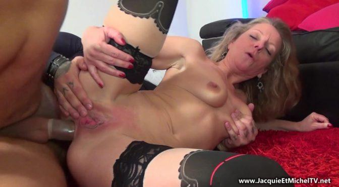 [JacquieEtMichelTV.net / Indecentes-Voisines.com] Amanda – Amanda, 43ans, prend sa revanche… porno! (12.04.2017) BlowJob, Mature, MILF, First Porn, Anal, Granny, 43 yo, HD, 1080p download or watch online
