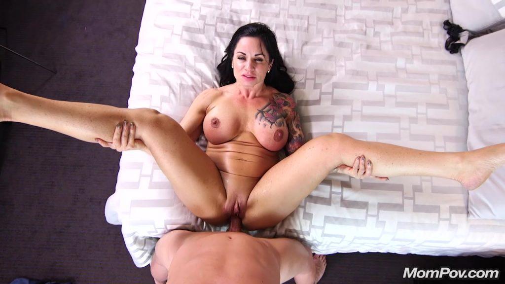 [MomPov.com] Davina - Frisky foxy MILF new to porn (2017-08-03) Amateur, Casting, Interview, Posing, Mature, POV, MILF, Big Tits, Busty, Anal, HD, 720p