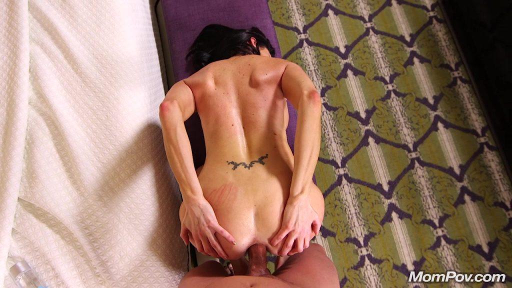 [Mompov.com] 34 y.o. Silvia Saige - Comedian pornstar gets Creampie - 2018, Anal, Casting, Interview, Blowjob, Posing, POV, MILF, Creampie, HD, 720p