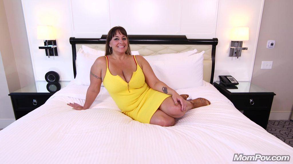 [MomPov.com] 40 y.o. 36DDD Tits Violet - Thick ass MILF with hourglass figure (E374) 2018, Busty, Anal, Blowjob, Casting, Big Tits, Interview, Mom, Cum on Tits, Posing, POV, MP4, MILF, HD, 1080p
