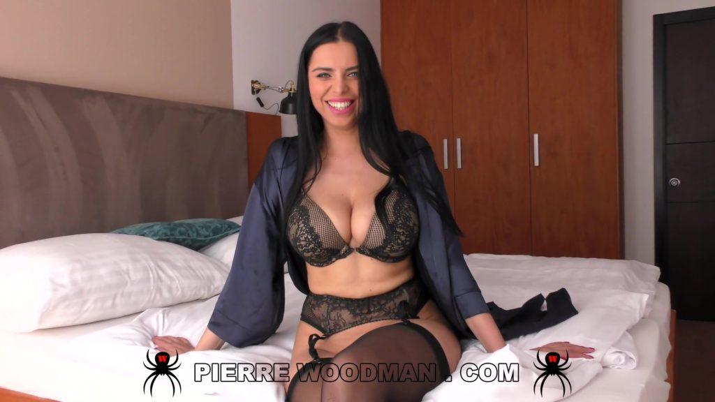 [ WoodmanCastingX.com] Kira Queen - XXXX - Sex Party With Friends (2020) Busty, Big Tits, Pierre Woodman, Gonzo, Hardcore, Porn, Sex Anal, HD, MP4, Russian, 1080p